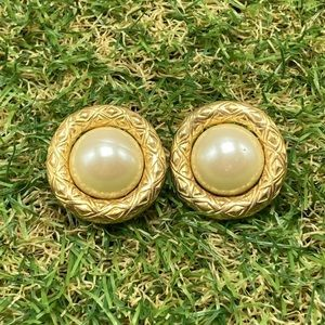 Vintage 90s gold textured frame trim ivory pearl
